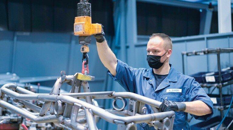 Produktion: Im Werk Simmersfeld fertigt Boysen Strukturbauteile für Elektrofahrzeuge – und investiert in ein eigenes Wasserstoffzentrum.
