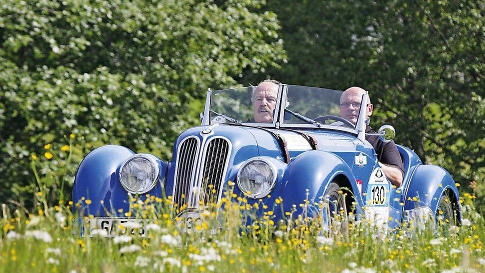 Blauer BMW: Klassiker mit der Niere im Grill erzielen mittlerweile Spitzenpreise.