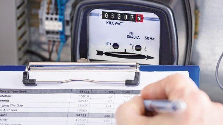 Hoher Verbrauch? Mit dem Wechsel zu einem günstigeren Stromanbieter kann man einiges sparen. Foto: Adobe Stock