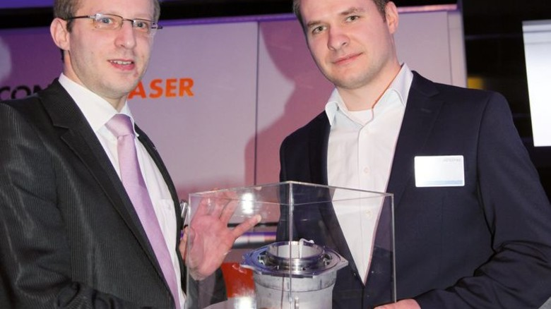 Erstes Teil: Kai Schimanski (links) mit Florian Kedor von Airbus. Foto: GuS