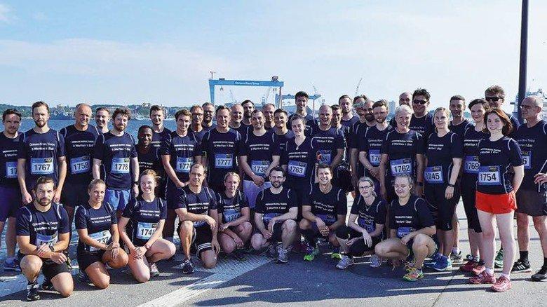 """Riesen-Team: Die Teilnehmer von German Naval Yards beim dritten """"Business Run"""" in Kiel. Foto:  German Naval Yards"""