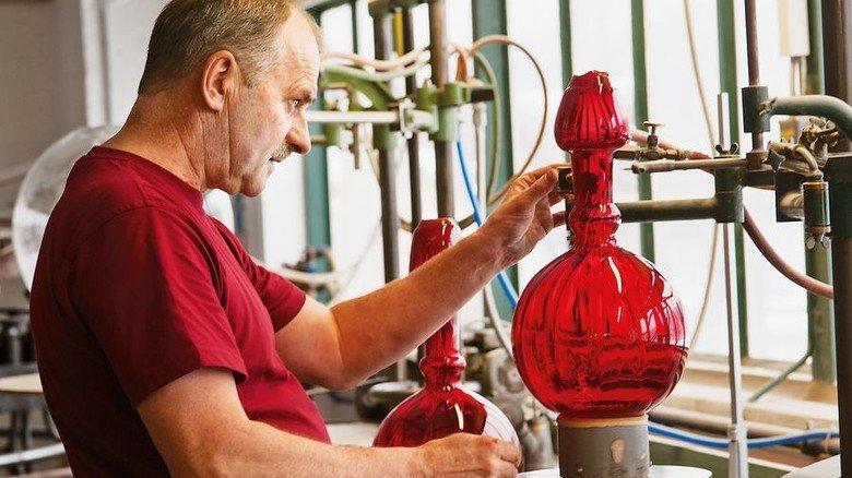 Kunstvoll geschliffen: Glasmanufaktur Poschinger in Frauenau. Foto: Glasmanufaktur Poschinger