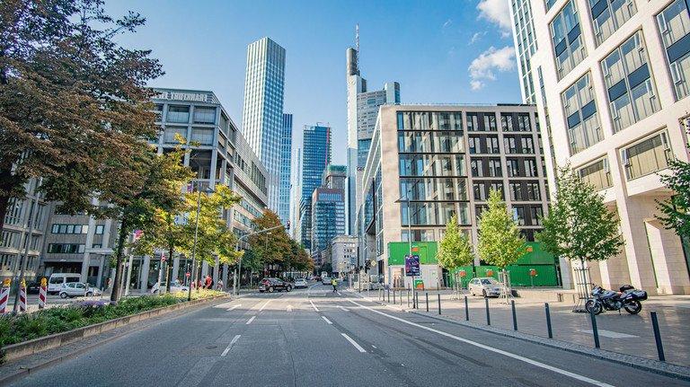 Frankfurt: Zurück zur Normalität ist es noch in langer Weg.