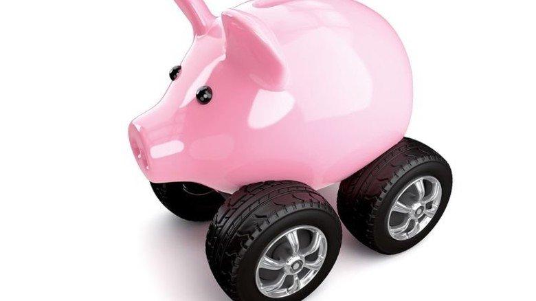 Sparsam fahren: Das geht auch bei der Versicherung. Foto: Fotolia