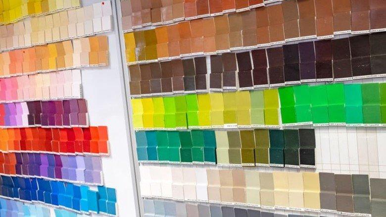 Große Auswahl: Die Farbpalette ist riesig.  Foto: Roth