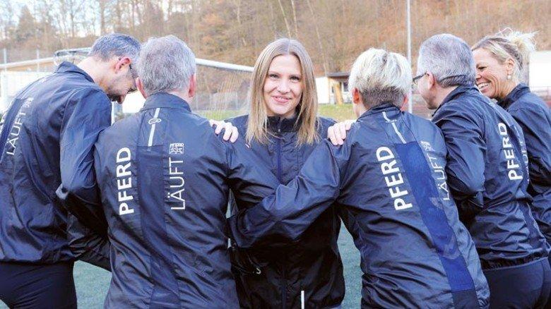 """""""Die Rückmeldungen sind durchweg positiv"""": Anna Biesenbach im Kreis von Kollegen. Foto: Wirtz"""