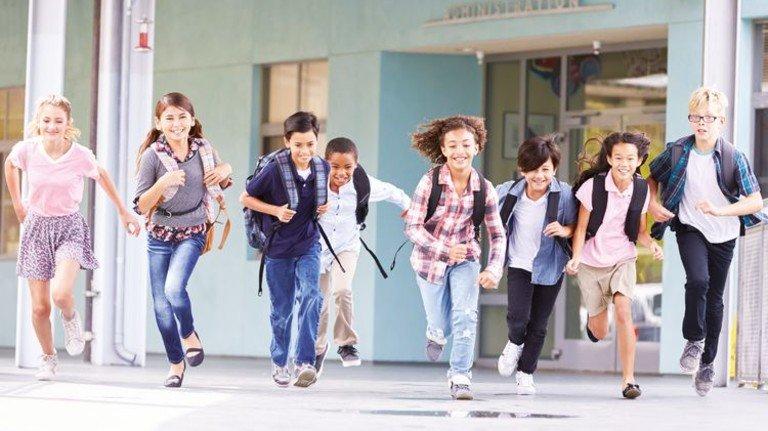 Ansturm: Schon bald kommen unerwartet viele Schüler auf uns zu. Foto: Fotolia