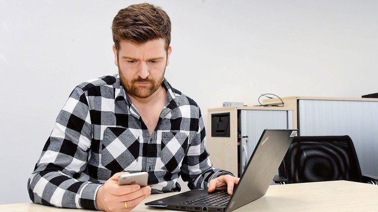 Handwerkszeug: Handy und Laptop beherrschen den Alltag des Managers.