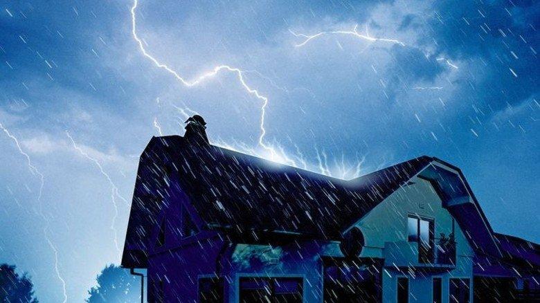 Naturgewalt: Gefahr für elektrische Geräte und Installationen. Foto: PantherMedia