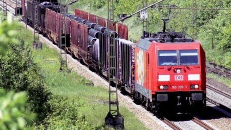 Güterzug der Deutschen Bahn: Das Geschäft auf der Schiene schwächelt. Foto: Deutsche Bahn