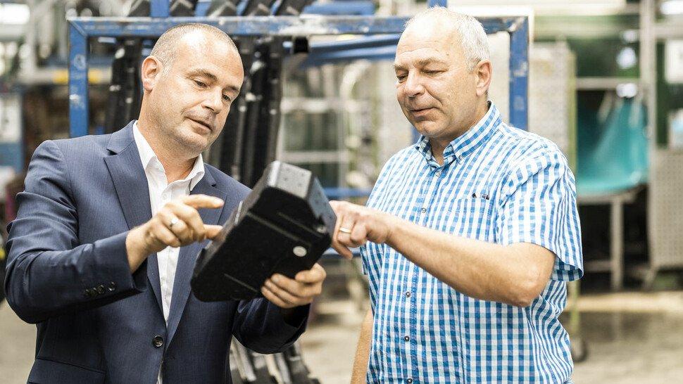 Philippine-Entwicklungsleiter Patrik Brings (l.) mit Produktionschef Axel Jansson.