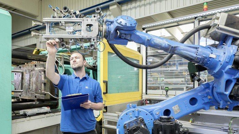 Kooperation: Bei Weiss Kunststoffverarbeitung sichert die Zusammenarbeit mit dem Werk in Ungarn auch Jobs am Firmensitz in Illertissen.