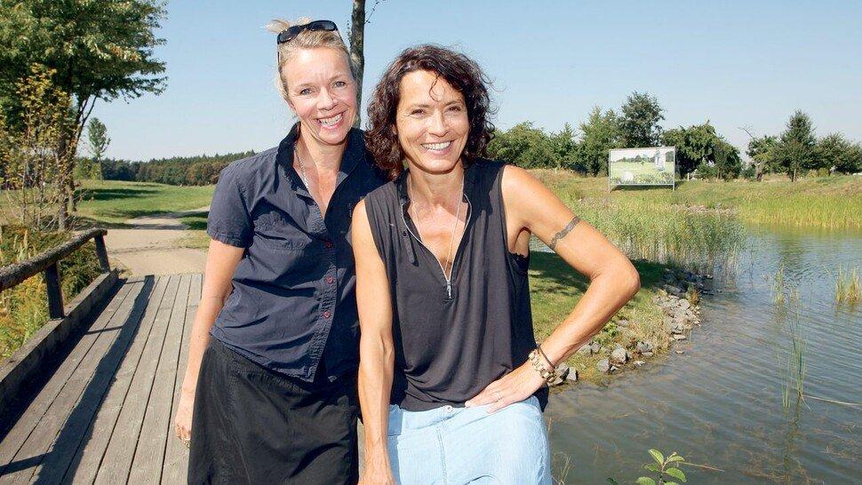 """Schauspielerin Ulrike Folkerts (rechts, hier mit ihrer Partnerin Katharina Schnitzler): """"Es ist Fakt, dass das Fernsehen immer noch viel zu wenig divers ist."""""""