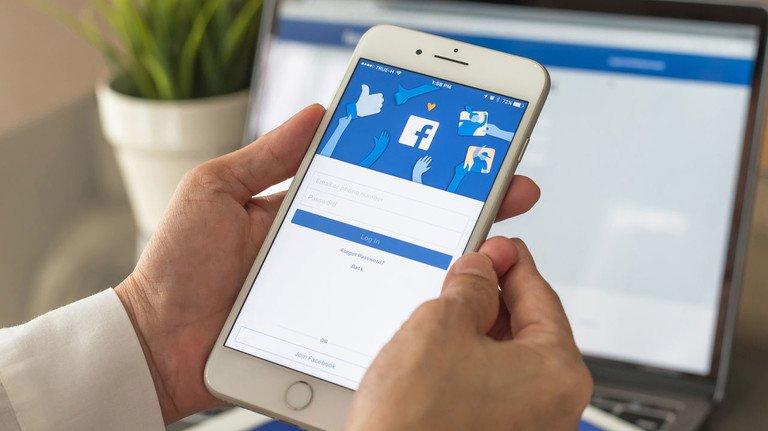 Vorsicht in den sozialen Netzwerken: Auch bei Facebook, Instagram und Co. erkundigen sich zukünftige Arbeitgeber über potenzielle Bewerber.
