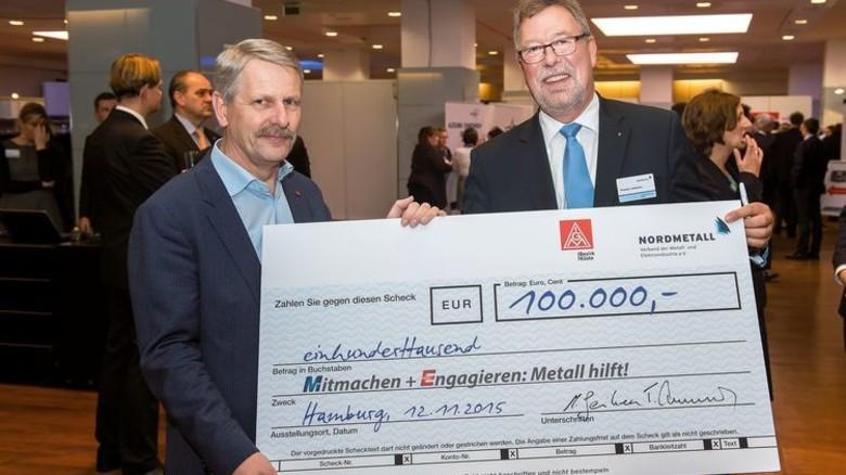 IG-Metall-Bezirksleiter Meinhard Geiken (links) und Nordmetall-Präsident Thomas Lambusch. Foto: Nordmetall