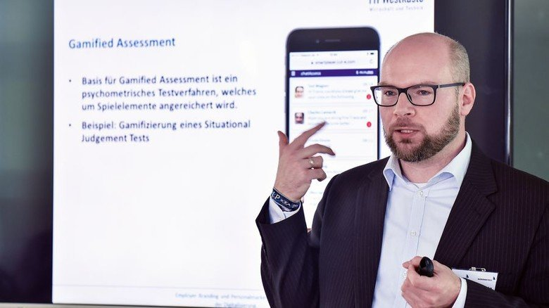 Professor Tim Warszta: Er ist Experte in Sachen Personalmarketing und Digitalisierung. Foto: Augustin