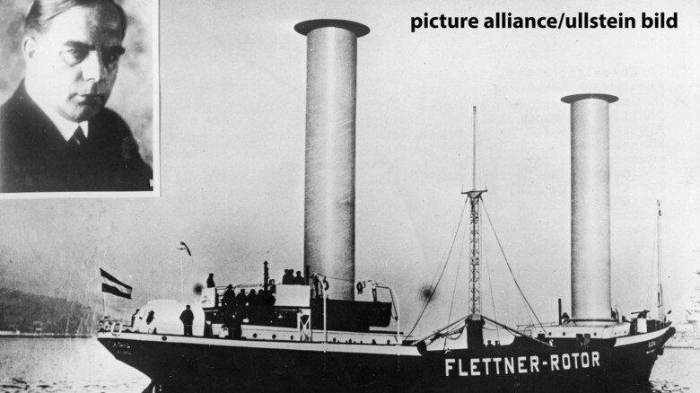 """Das erste Schiff mit Rotorsegel: Der Ingenieur Anton Flettner (1885–1961) ließ das Segelschiff """"Buckau"""" 1924 auf der Kieler Germaniawerft nach seinen Vorgaben umbauen und führte damit den Nachweis, dass das Prinzip funktioniert."""