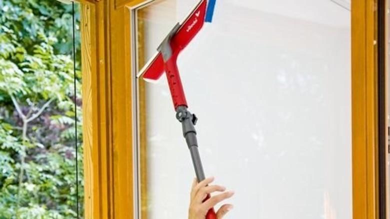 Klassiker: Den 2-in-1-Fensterwischer hat Dingert mitentwickelt. Foto: Werk