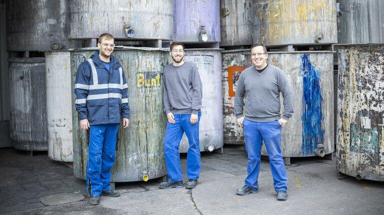 Marcel Peters (Mitte) zusammen mit Florian Thelen (rechts) und Matthias Kündgen – beide hatten bereits vor Peters den Meister-Lehrgang bestanden und sind in Führungsverantwortung hineingewachsen.