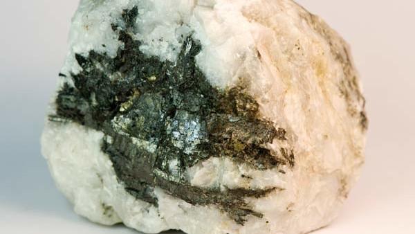 Wolfram. Weißglänzendes Schwermetall