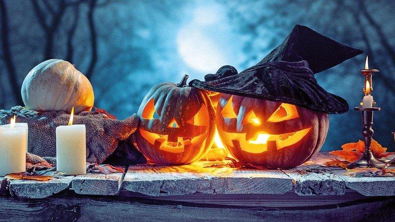 Schaurige Nacht: Solch gruselige Kürbisfratzen sieht man überall zu Halloween.
