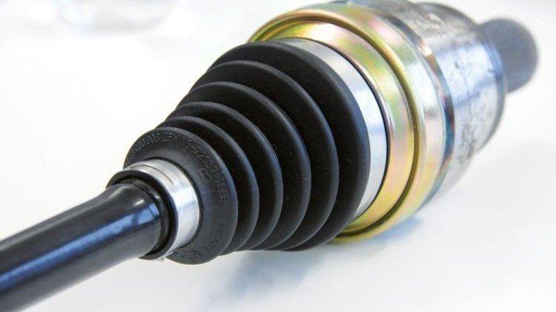 So wird sie genutzt: Achsmanschette am Gelenk einer Antriebswelle. Foto: Sturm