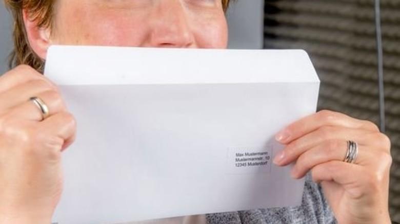 Überraschung nach dem Öffnen: Dezent verströmende Duftstoffe senden subtile Botschaften. Foto: Roth