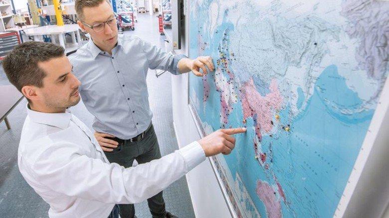 Im Austausch: Seltsam mit Christoph Zieglschmid, dem Chef der Störungsbearbeitung. Foto: Weigel