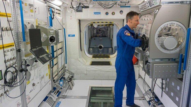 Unser neuer Mann im All: Im Herbst fliegt der Saarländer Matthias Maurer zur ISS. Das Foto zeigt ihn beim Training im Deutschen Zentrum für Luft- und Raumfahrt in Köln.