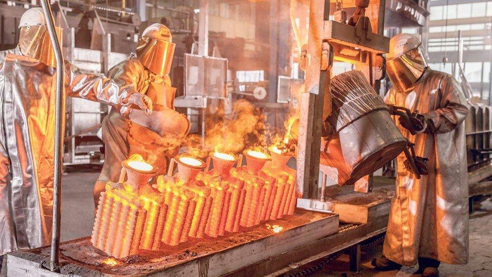 Heißes Eisen: Die hohen Energiekosten in der Gießerei hat Feinguss Blank mit verschiedenen Effizienzmaßnahmen gesenkt.