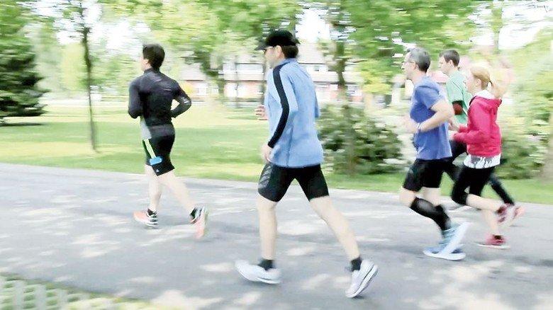 Lauftreff: Immer mittwochs joggen Mitarbeiter der Maschinenfabrik Krone. Foto: Werk