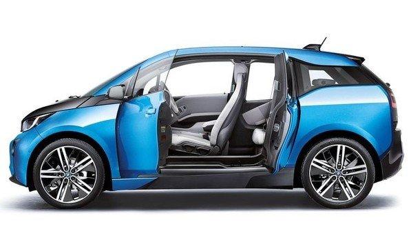 Innen wie außen top: Technische Kunststoffe und Schutzlacke stecken im BMW i3. Foto: Werk