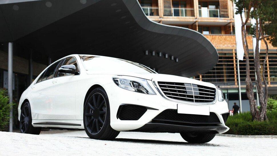 Steuerbare Luftführung verbessert die Aerodynamik der Fahrzeuge.