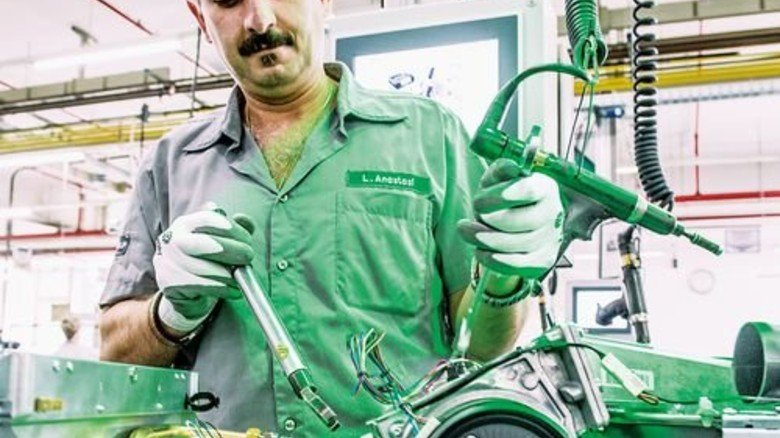 M+E-Produktion (hier beim Heizungsbauer Vaillant): Vor allem einfache Tätigkeiten werden verlagert. Foto: Roth