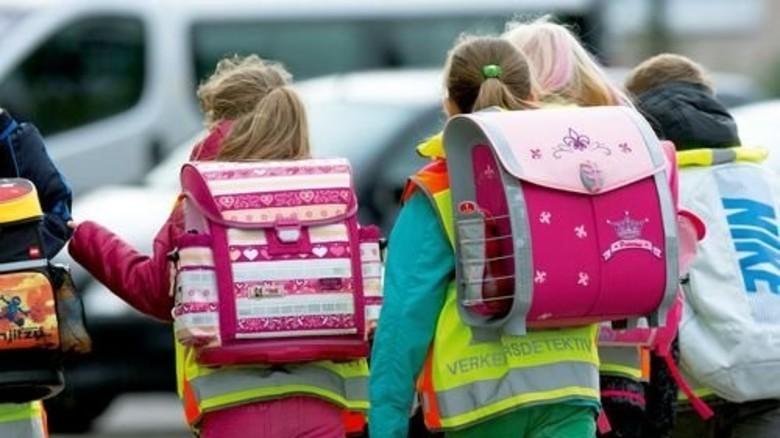 Schulkinder: Die Ranzen sind rosa. Die Betreuungssituation nicht … Foto: dpa