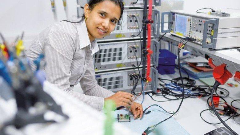 Neue Themen: Die Elektronik von E-Autos soll verbessert werden. Foto: Bosch