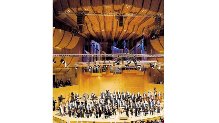 Das Symphonieorchester des Bayerischen Rundfunks mit Chefdirigent Mariss Jansons in der Philharmonie im Münchner Gasteig.