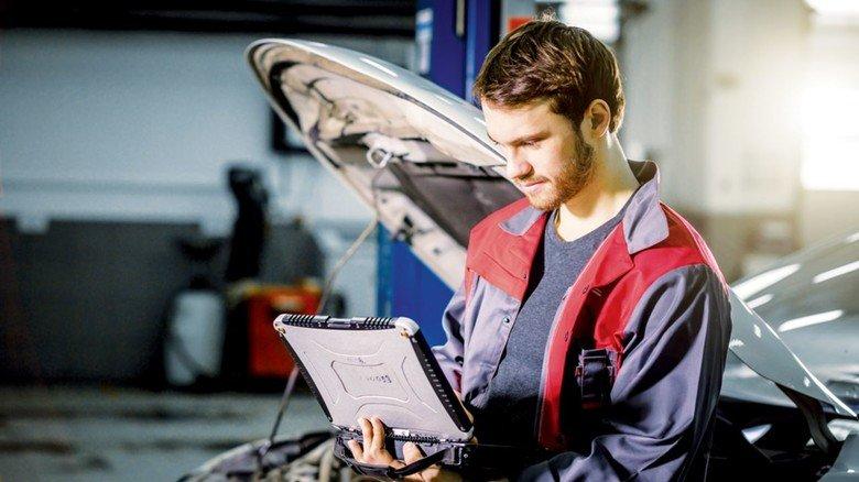 Inspektion: Wartungsarbeiten werden auf digitalem Weg genau dokumentiert.
