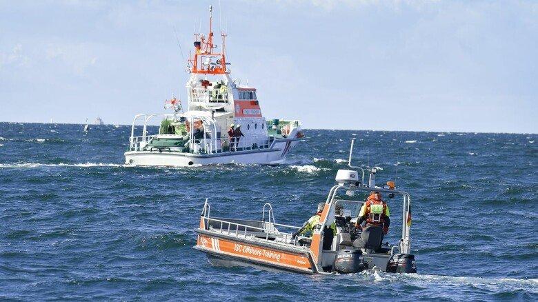 """Rettungskreuzer: Die """"Theo Fischer"""" trägt den Namen eines Maschinisten, der 1995 bei einem Einsatz ums Leben kam."""