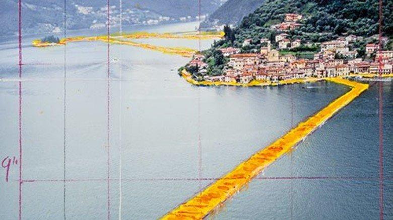 """So soll es aussehen: Die """"Floating Piers"""" verbinden Festland und Inseln. Foto: Grossmann"""