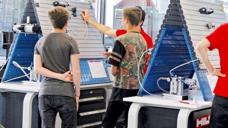 Tag der offenen Tür: Hilti lädt Schüler in den Betrieb ein. Foto: Werk