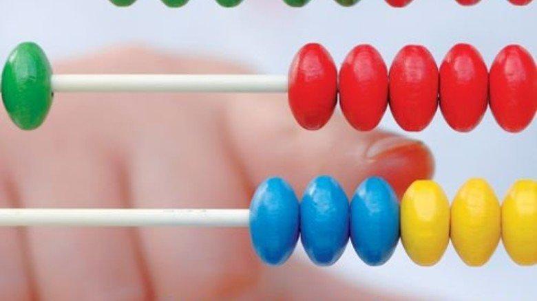 Zahlenspielerei: Nicht jede Addition, die formal korrekt ist, ergibt auch einen Sinn. Foto: Plainpicture