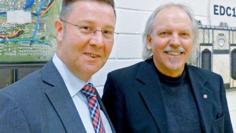 Den Standort sichern: Personalchef Joachim Bamberg (links) und Betriebsratsvorsitzender Achim Brandt haben das gemeinsam geschafft. Foto: Strebe