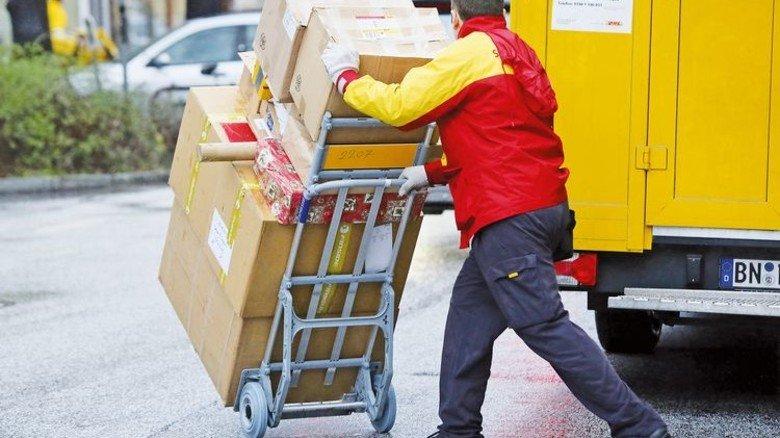 Paketdienste: An Spitzentagen vor Weihnachten werden 15 Millionen Päckchen zugestellt. Foto: dpa