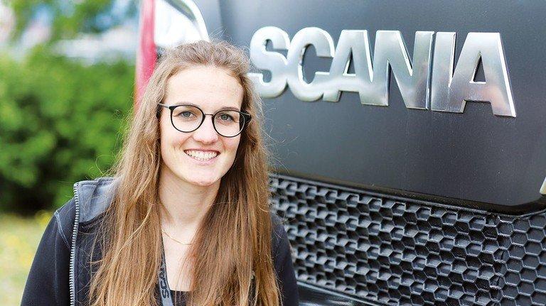Beim Lkw-Hersteller in Schweden: Carmen Fricke ist fasziniert von der Arbeitskultur der Skandinavier.