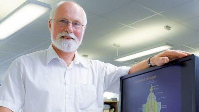 Im Büro: Bei Alfa Laval arbeitet Knuth im Vertrieb des Marine-Bereichs. Foto: Augustin