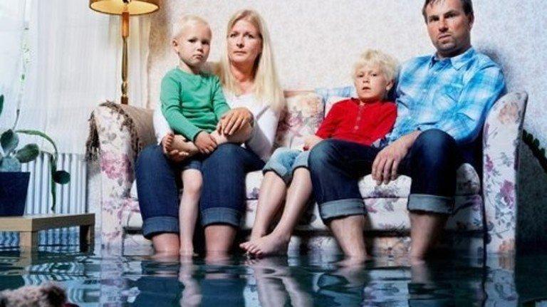 Neuer Teppich, neues Sofa, neuer Teddy: Tröstlich, wenn da die Versicherung einspringt. Foto: Getty