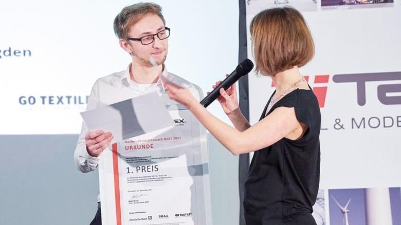 Auf der Bühne: Im November bekam Lars Oldenburg den Nachwuchspreis verliehen. Foto: ZiTex