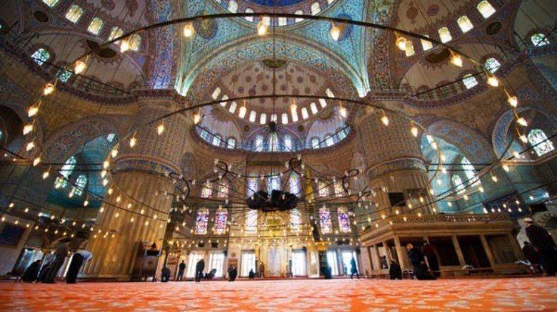 Prachtvoll: Blick in die Sultan-Ahmed-Moschee.