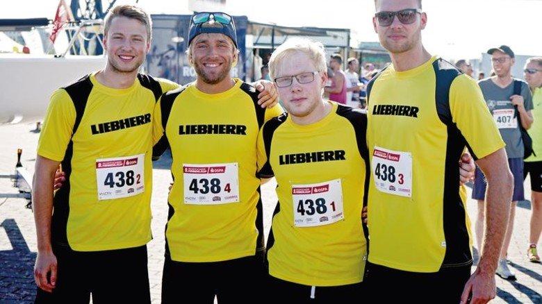 Erfolgreich: Das Azubi-Team von Liebherr-MCCtec siegte in Rostock. Foto: Liebherr MCCtec
